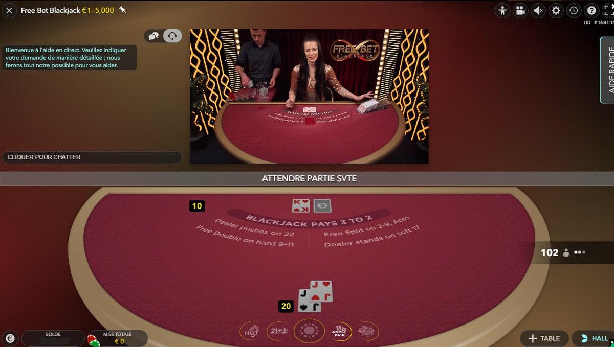 Croupier en direct sur la table Free Bet Blackjack