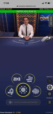 Table de blackjack sur mobile pour jouer en iOS et Android