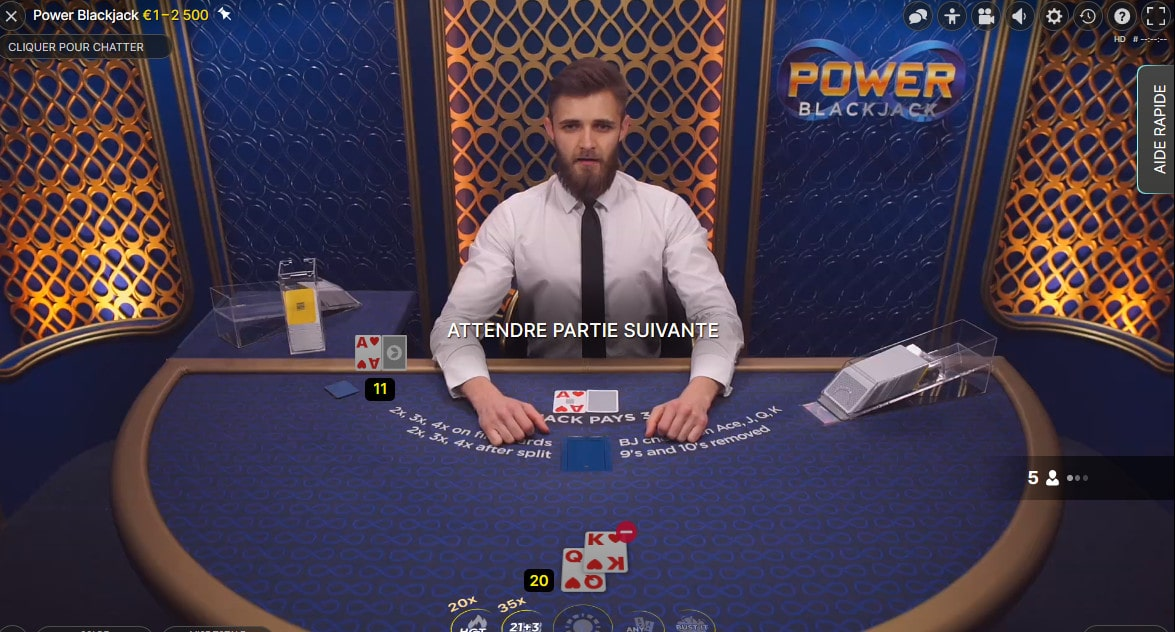 Jeu de Power Blackjack avec croupier d'Evolution